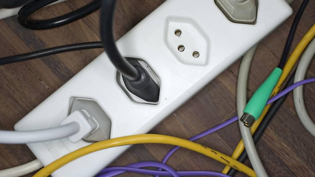 Der Stromverbrauch in der Schweiz ist während des partiellen Lockdown in der Schweiz eingebrochen. (Themenbild)