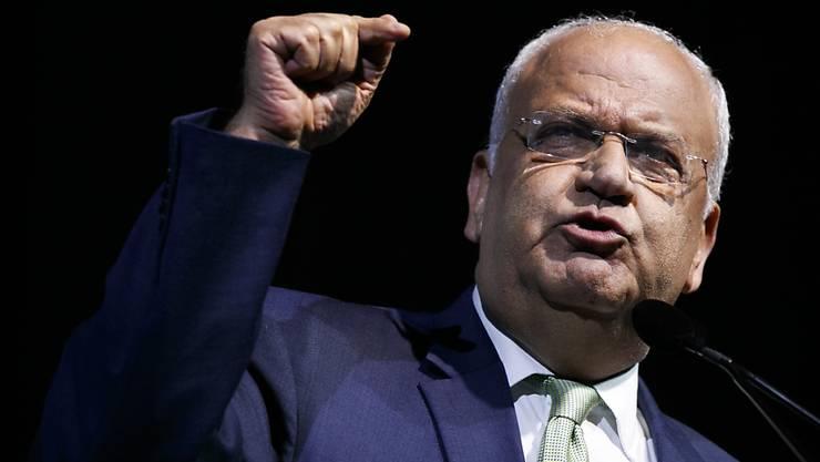 ARCHIV - Saeb Erekat, Generalsekretär der Palästinensischen Befreiungsorganisation (PLO), spricht auf der J Street Nationalkonferenz. Erekat ist nach schwerer Corona-Erkrankung gestorben Foto: Jacquelyn Martin/AP/dpa