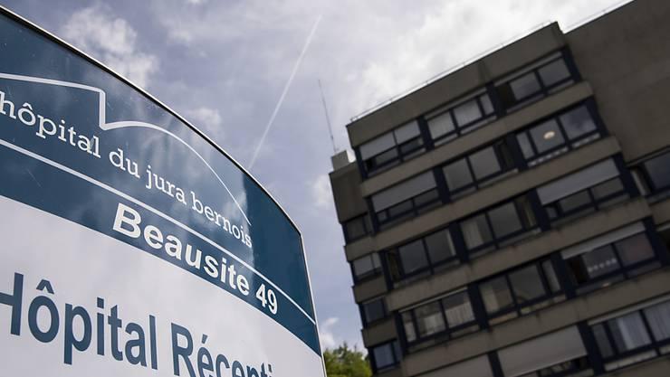 Um die Zukunft des Spitals Moutier wird hart gerungen.