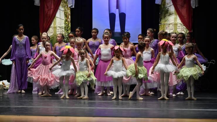 Der Nussknacker von Pjotr Iljitsch Tschaikowski. Ballettschule Barbara Bernard zeigte den Ballettklassiker im Parktheater Grenchen