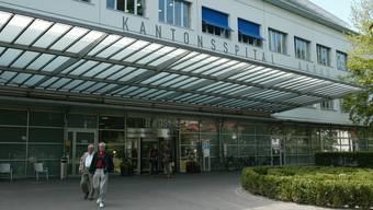 Das Kantonsspital Aarau soll zusätzlich 10 Millionen Franken erhalten. Doch bei Politikern regt sich Widerstand.