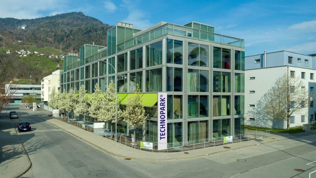 Das Gebäude, in dem der Technopark in Landquart GR untergebracht ist. Auf zwei Stockwerken stehen 40 Arbeitsplätze zur Verfügung.