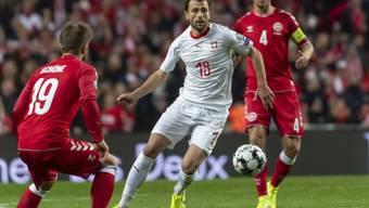Admir Mehmedi kommt gegen die Dänen zu Chancen, aber nicht zum Torerfolg