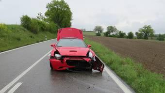 Unfall auf der Probefahrt in Zufikon: Ferrari schrottreif