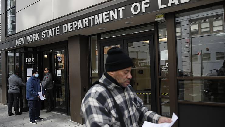 Die Anträge auf Arbeitslosenhilfe haben sich in den USA innerhalb einer Woche rund verzehnfacht. (Archiv)