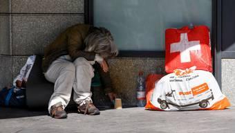 Der Aargau verfügt über keine Statistiken, wie viele Personen aufgrund der Covid-19-Pandemie von akuter Armut betroffen sind. (Symbolbild)