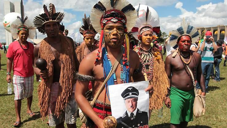 Protest gegen Präsident Temer: Indigene Bewohner Brasiliens werden vermehrt Opfer blutiger Konflikte im Kampf um Land. (Archivbild)