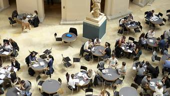 Die Pandemie-Nothilfe der Universität Zürich unterstützt Studierende, wenn sie ihren Lebensunterhalt wegen der Corona-Krise nicht mehr finanzieren können.