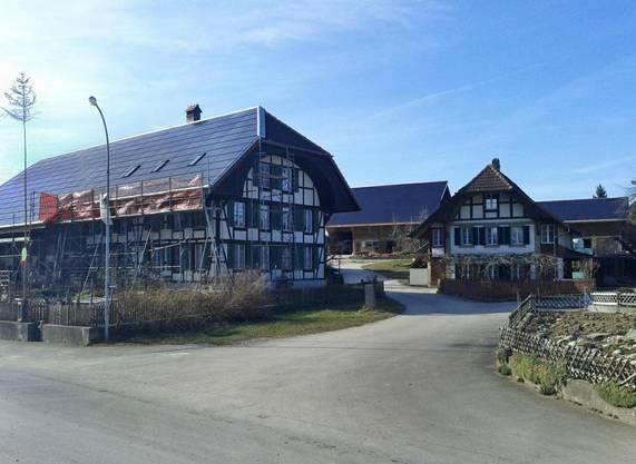 Büren zum Hof, Bauernhaus in Ortsbildschutzzone, 101 kWp