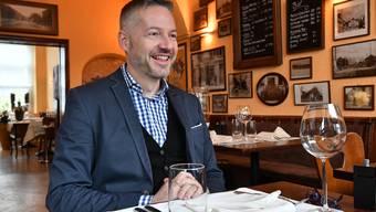"""Stadtrat Thomas Marbet im Interview zu den Stadtratswahlen 2017 - fotografiert im Oltner Restaurant """"Salmen"""""""
