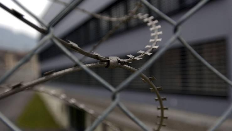 In Thun ist ein Mann in seiner Gefängniszelle gestorben. (Symbolbild)