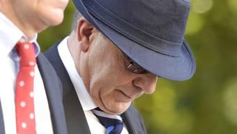 Das Zürcher Obergericht hat die Strafe gegen Ex-CS-Bankdirektor Alfred Castelberg reduziert. Das Bild zeigt Castelberg nach dem BVK-Berufungsprozess im Juni 2014.