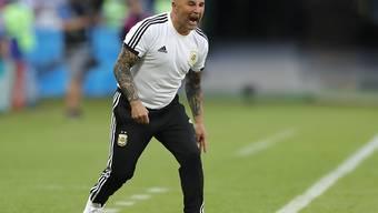 Wie erwartet wird das schwache WM-Abschneiden von Argentinien Nationaltrainer Jorge Sampaoli zum Verhängnis