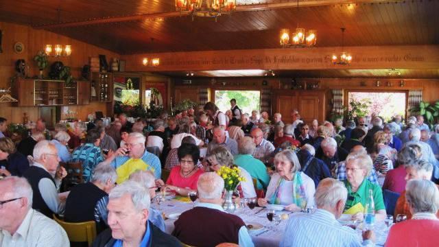 Im historischen Gasthaus Sternen in Aeschi bei Spiez wurde den Senioren ein vorzügliches Mittagessen serviert.