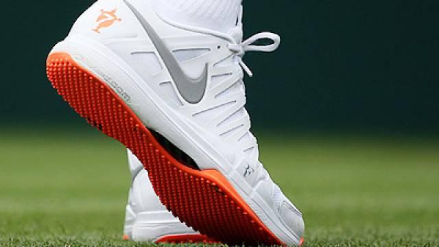 Federer in Roger Nur zu WeissWimbledon bittet Schuhe qc543RAjL