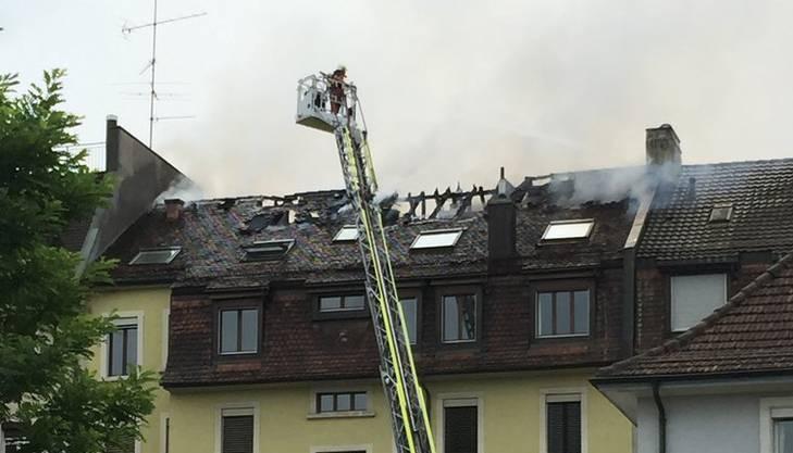 Rettungskräfte am Albisriederplatz – Leserbild watson.ch