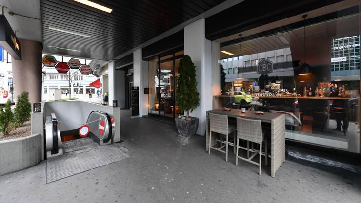 Nach dem Rückbau der Rolltreppe will das City Bar Café auf dem frei werdenden Platz eine Aussenwirtschaft betreiben.