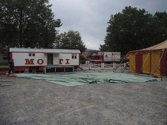 Impressionen vom Aufbau des Zirkuszelts