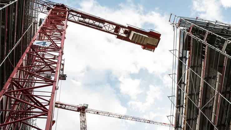 Der Dietiker Limmattower im Bau: Er ist das Symbol einer Region, die wächst und wächst.
