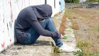 Krisen nicht aussitzen: Offene Gespräche können helfen, Kinder und Jugendliche von Suizidgedanken abzubringen.thinkstock