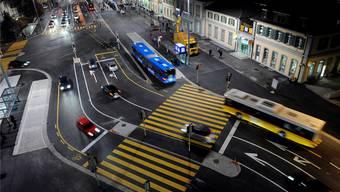 Dilemma Mobilität: Alle möchten möglichst einfach und rasch an ihr Ziel kommen: Fussgänger, Velos, der öV und auch die Autos. Nirgends manifestiert sich in Solothurn dieser Interessenkonflikt besser als am Bahnhofplatz.