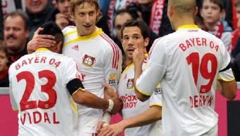 Leverkusens Stefan Kiessling (2.v.l.) erzielte den Ausgleichstreffer