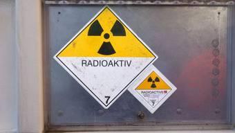 Container mit schwach radioaktivem Abfall.