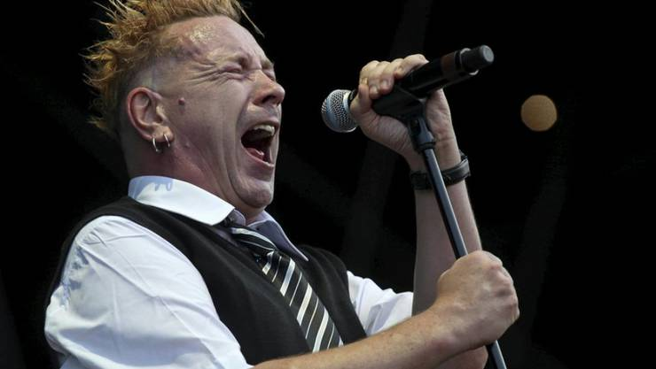 John Lydon strotzt vor Energie, hier 2010 an einem Konzert in Budapest. (Archivbild)