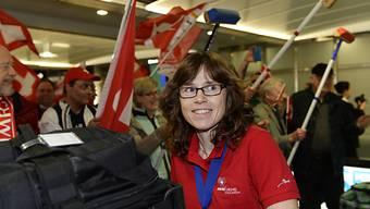Miriam Ott beim Empfang im Flughafen.