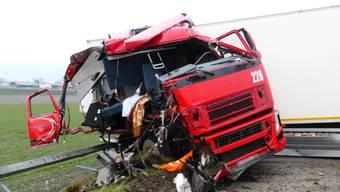 Beim Unfall wurden beide Fahrer leicht verletzt (Kapo St. Gallen)