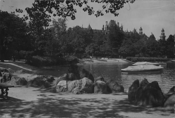 Das Ufer war  lange mit Hecken bewachsen. Jetzt  sieht wieder aus wie ursprünglich gebaut