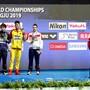 Sieger Sun Yang (in Gelb) und ganz rechts der ex-aequo drittklassierte Brite Duncan Scott