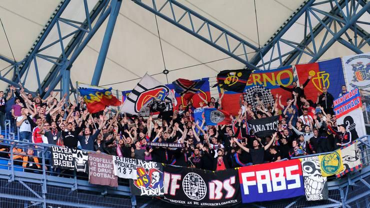 Basel-Fans im Gästesektor.