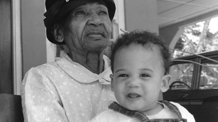 1965: Eines der ältesten Bilder von Kamala Harris – hier mit ihrer Grossmutter in Jamaika.