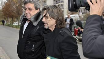 Bulat Tschagajew (links) mit seinem Anwalt Jacques Barillon