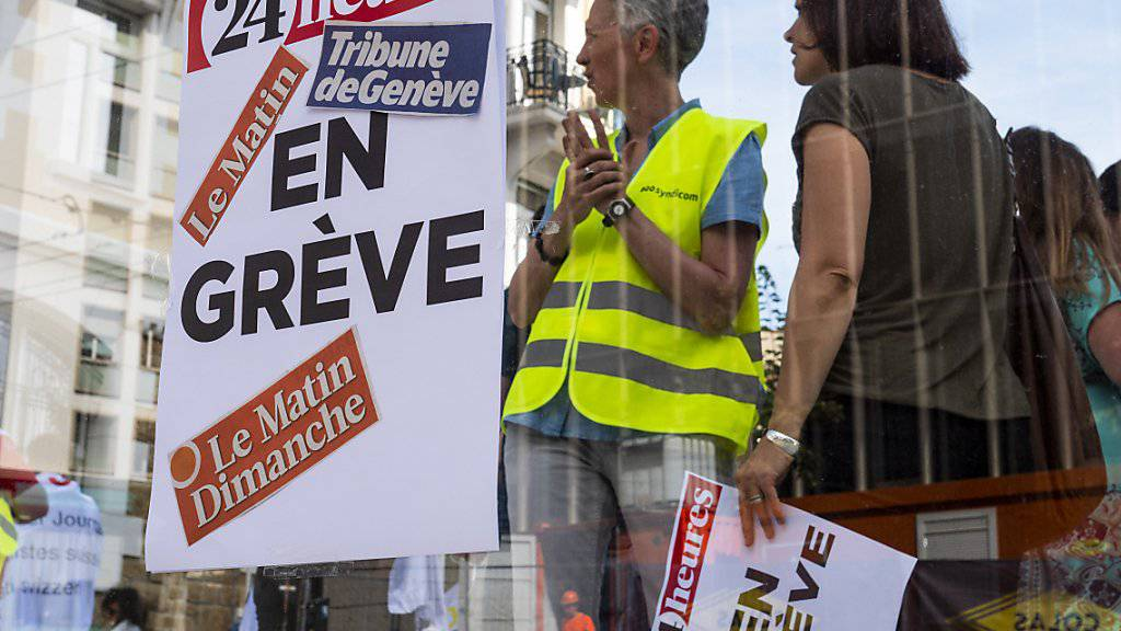 """Einige Dutzend Journalistinnen und Journalisten der Westschweizer Publikationen von Tamedia wollen aus Protest gegen die Einstellung der Tageszeitung """"Le Matin"""" bis Mittwoch um Mitternacht streiken."""