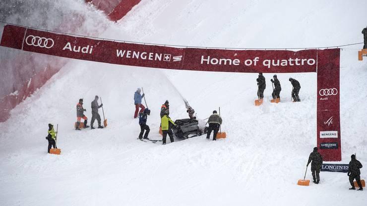 Zu viel Schnee: Die Abfahrt am Lauberhorn musste abgesagt werden.
