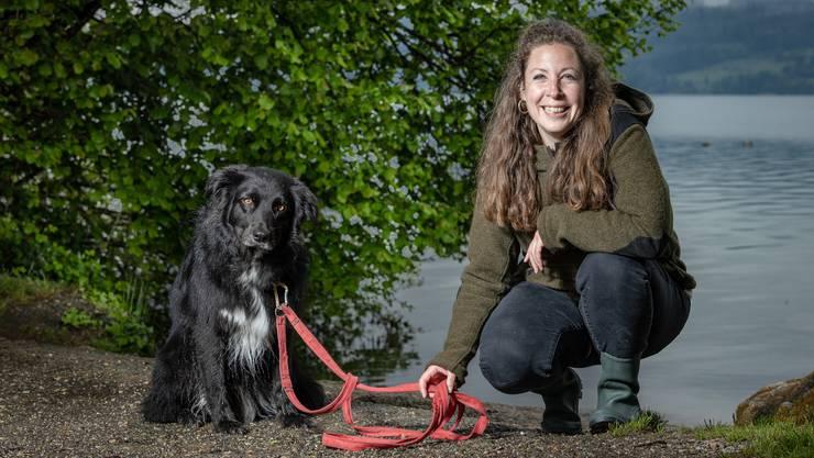 Chef-Rangerin Murièle Jonglez und ihr Hund Slash sind ein eingespieltes Team.