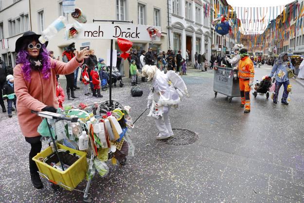 Fastnachtsumzug Baden 2018: Abfall Co und GmbH Motto: Meeehhh Drääckk