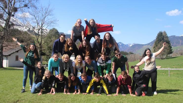 Gruppenfoto des Gruppenleitungskurses in Wildhaus zum Thema Superhelden