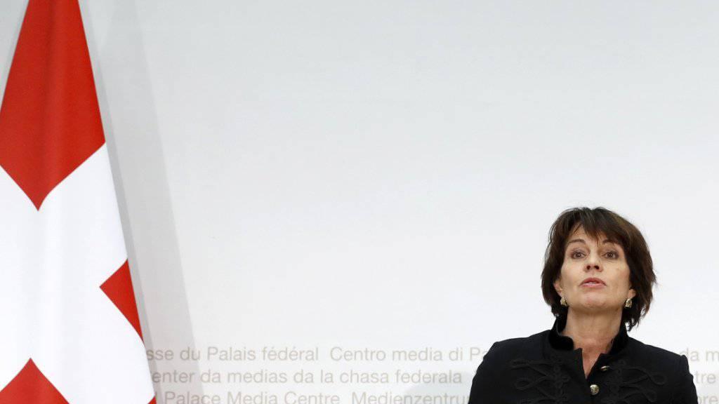 Bundespräsidentin Doris Leuthards Stellungnahme zum Börsenstreit mit der EU kommt bei vielen Parteien nicht gut an.