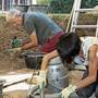 Die Ausgrabungen zeigen Überreste eines römischen Umschlagplatzes an der Limmat. Freiwillige lernten während dreier Wochen das Grabungshandwerk.