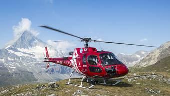 Die Air Zermatt barg am Donnerstag einen Jugendlichen am Fusse des  Monte-Rosa-Massivs aus einer 12 Meter tiefen Gletscherspalte. Der 17-Jährige überlebte den Sturz nicht. (Symbolbild)