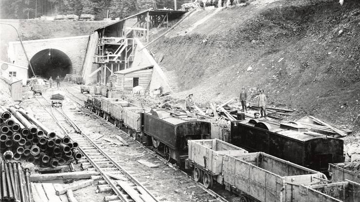 Nach zweieinhalb Jahren Bauarbeiten erfolgte am 10. Juli 1914 der Durchschlag des Hauenstein-Basistunnels. Die Züge rollten erst 1916 hindurch.