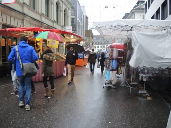 Der Jahrmarkt lockte trotzdem einige Besucher an