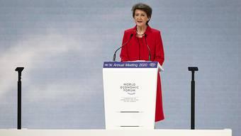 """""""Die Welt brennt"""": Mir diesen Worten eröffnete Bundespräsidentin Simonetta Sommaruga das 50. Weltwirtschaftsforum in Davos."""