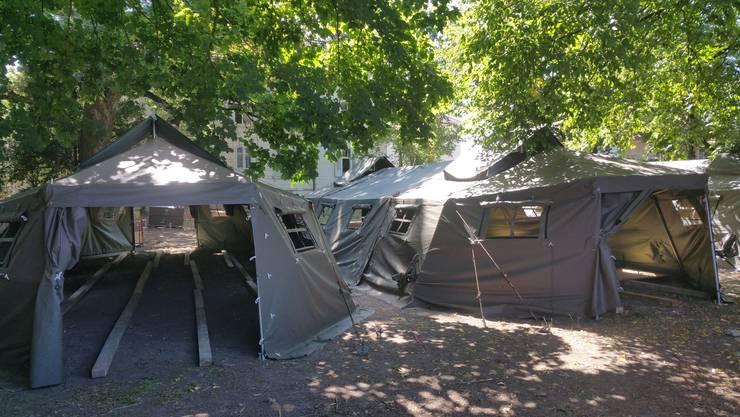 Bild aus Aarau: Der Kanton Aargau wird Asylsuchende in diesen Zelten einquartieren