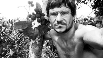 Das bekannteste Porträt von Bruno Manser im Regenwald.