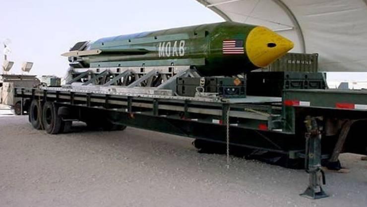 """Die Waffe des Typs GBU-43/B Massive Ordnance Air Blast wird im Militärjargon als """"Mutter aller Bomben"""" bezeichnet."""