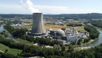 AKW KKW Kernkraftwerk Atomkraftwerk Gösgen - Drohnenbild mit Blick in Richtung Däniken.